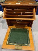 Lot 600 - Oak portable writing box,