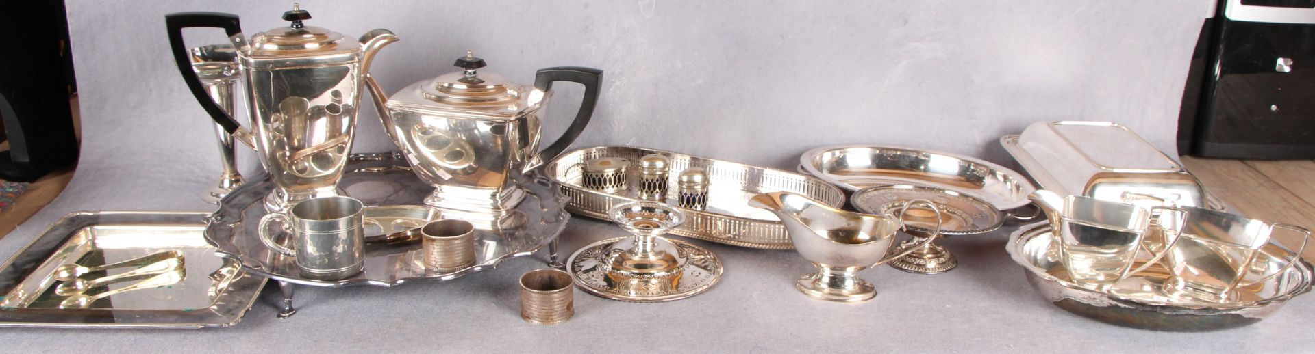 Lot 17 - A pair of silver napkin rings,