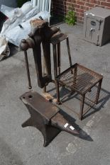 Lot 5 - Engineers Anvil on Stand with Vice