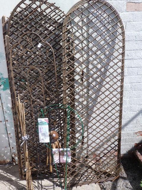 Lot 16 - *Quantity of Garden Trellis, Tube Trellis, Bamboo,