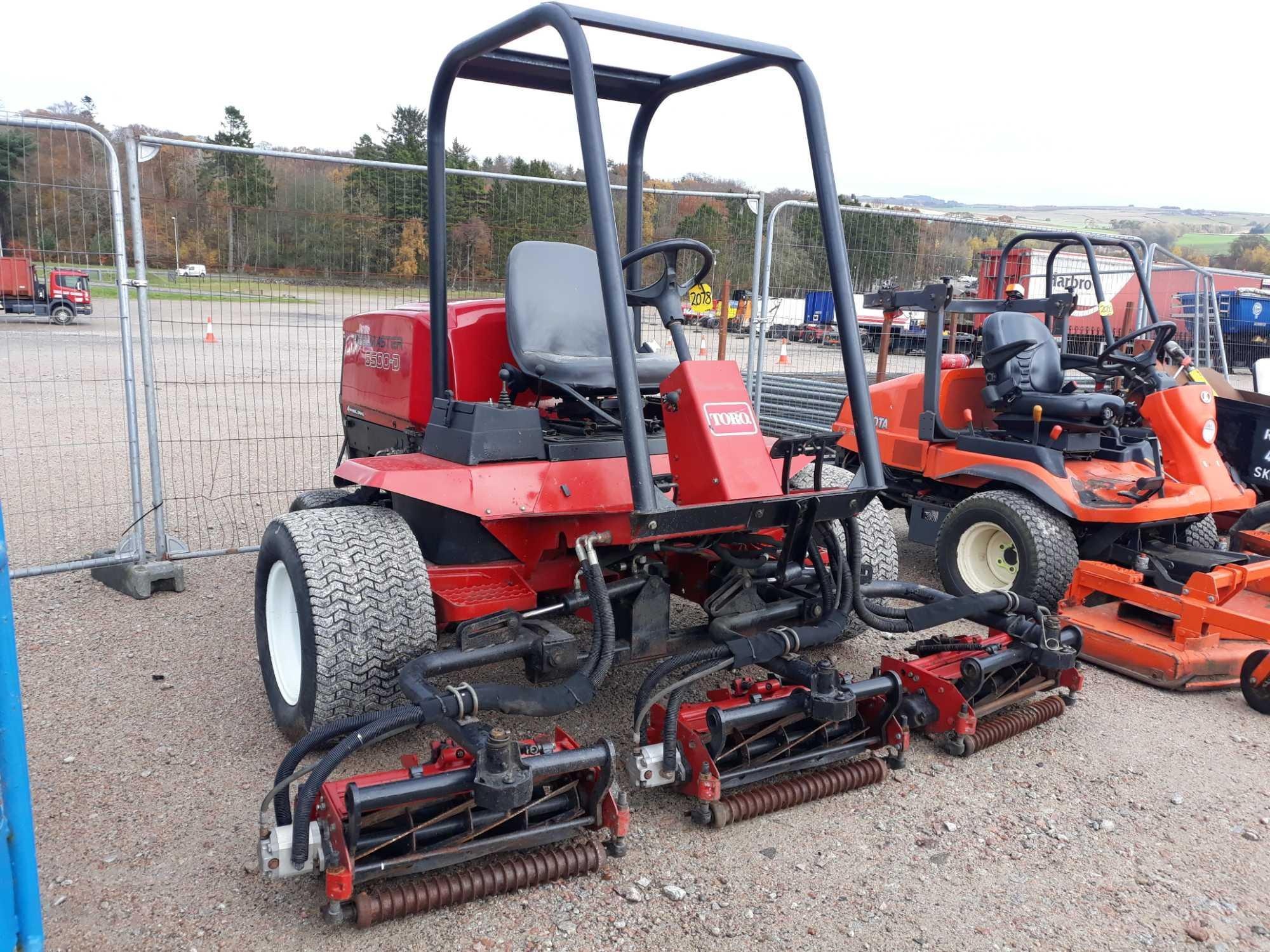 Lot 2078 - TORO 6500D TRIPLE MOWER 210000241