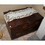 Cassa vecchio artigianato, cm. 85x56xh54