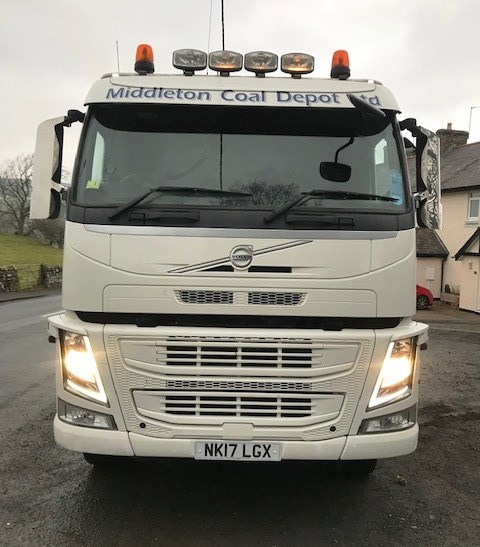 Lot 2 - 2017 | Volvo FM450 8x4 Sleeper Cab w/ Aliweld 5ft 10 Insulated Tipping Body | 170,000km