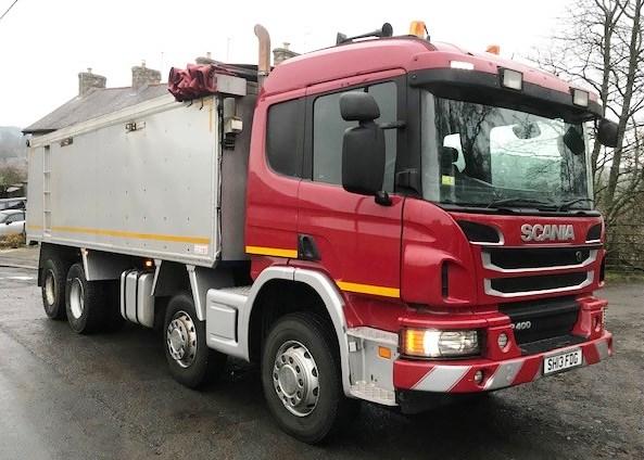 Lot 9 - 2013 | Scania P400 Sleeper Cab w/ Semi Bulk Wilcox Insulated Tipper | 350,000km