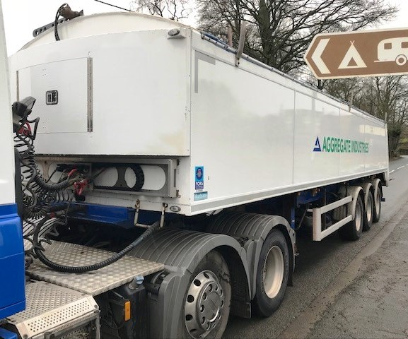 Lot 14 - 2015 | Paneltex Matrans Walk-in Floor Trailer