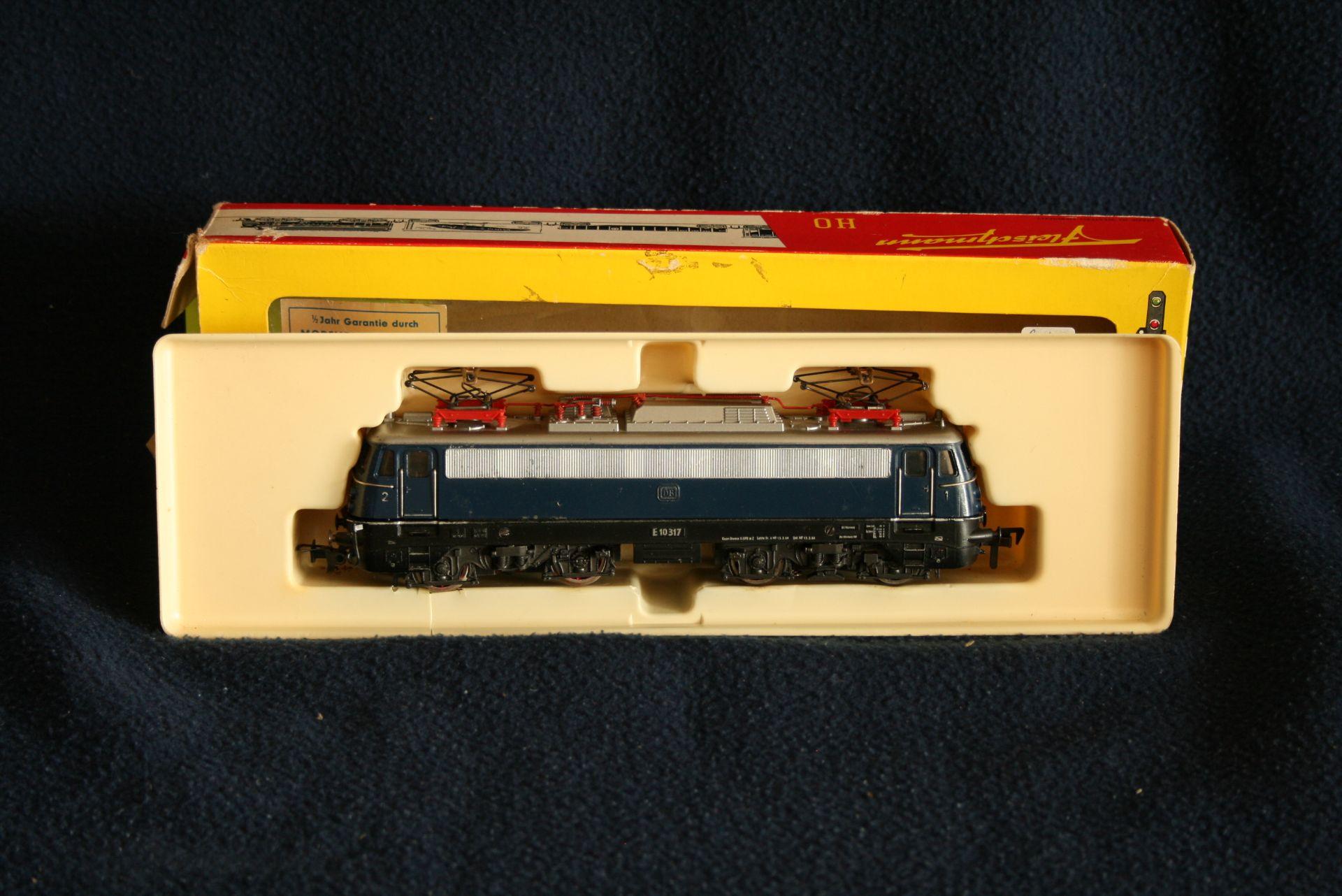 Los 45 - FLEISCHMANN HO - 4335 - E 10 317, avec boîte d'origine - - FLEISCHMANN HO - 4335 [...]