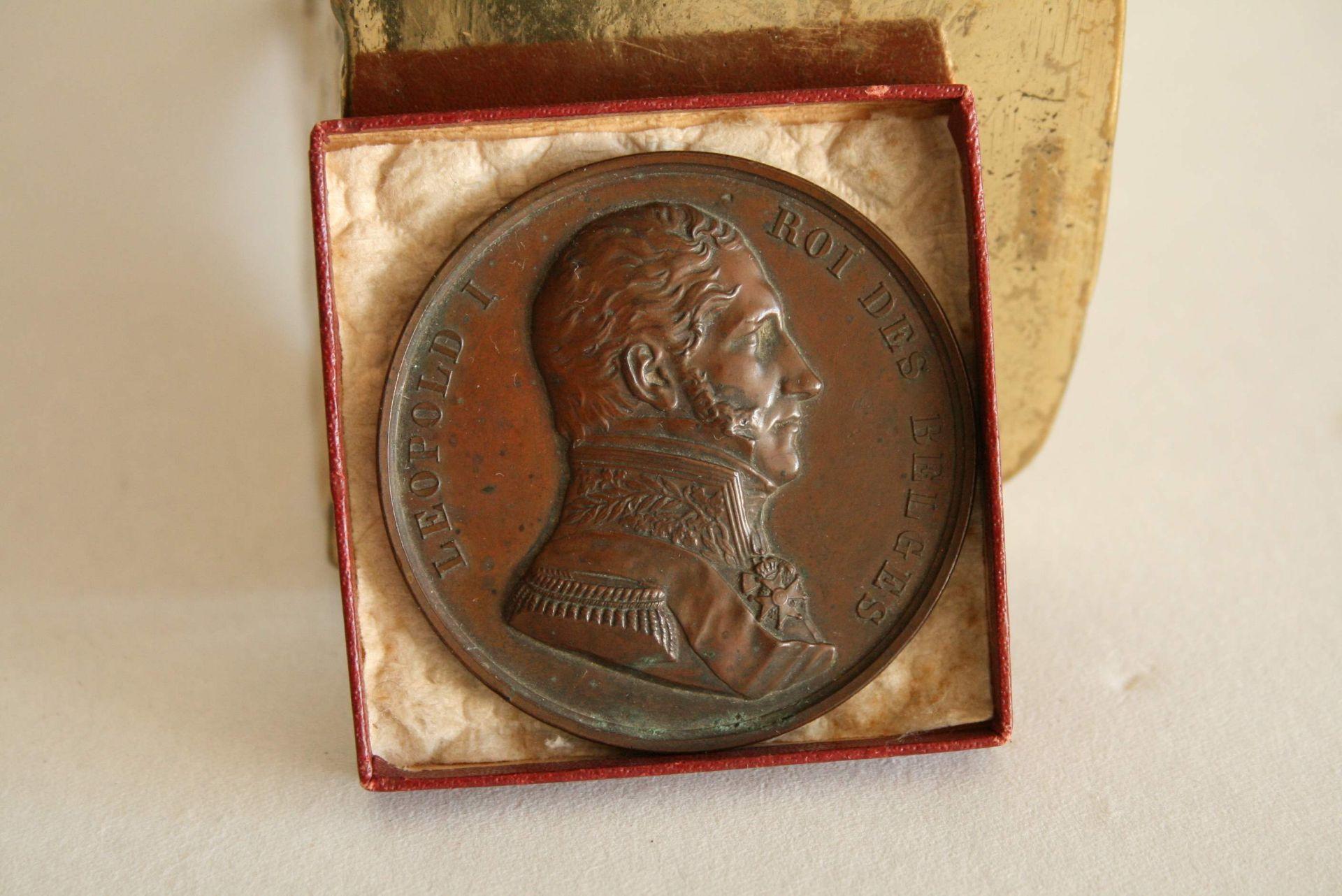 Los 2 - Médaille en bronze : Pose de la première pierre le 27 septembre 1841, Léopold 1. [...]
