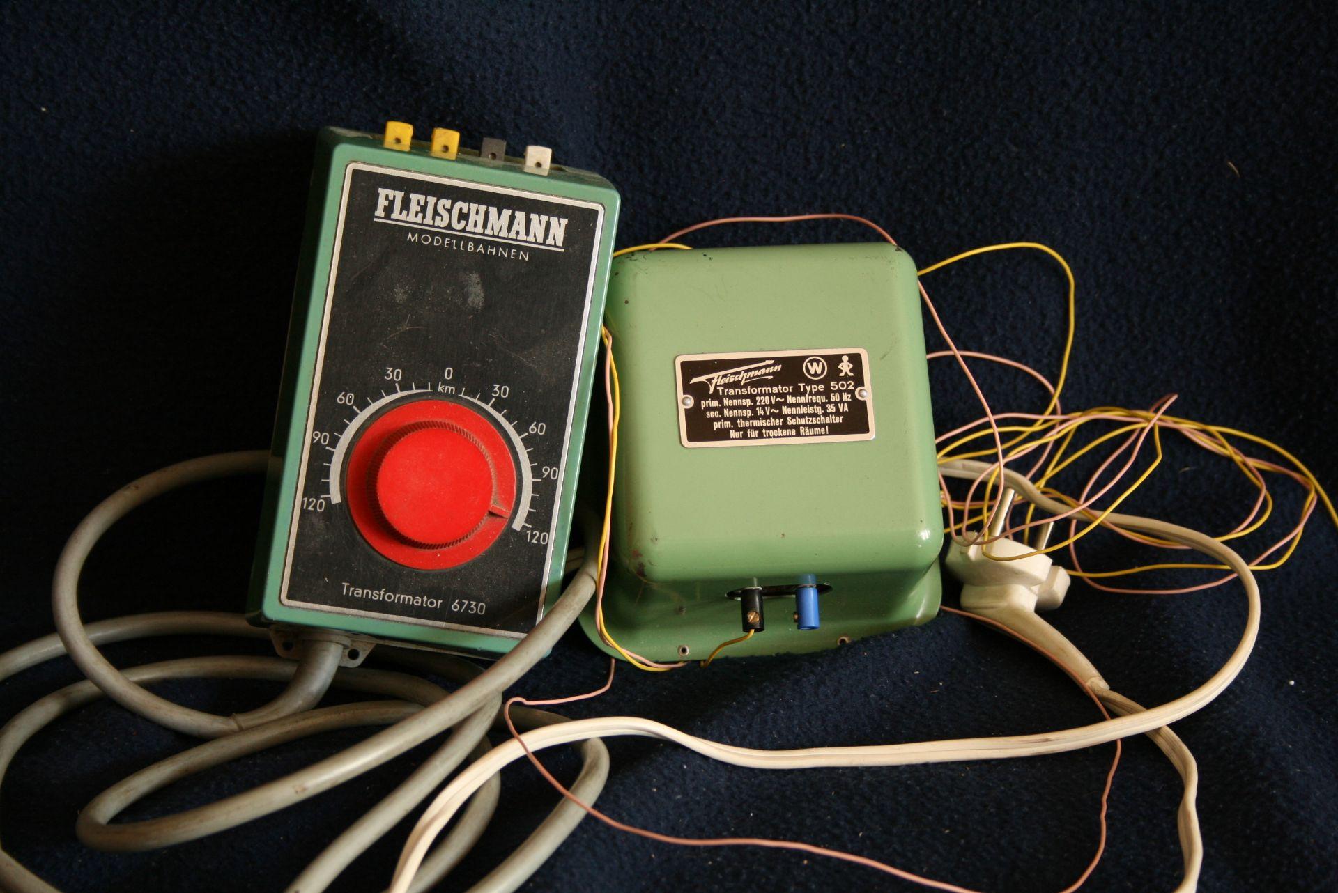 Los 31 - Transformateurs électriques : Fleischmann 6730 + TYP 502 - - Power transformers: [...]