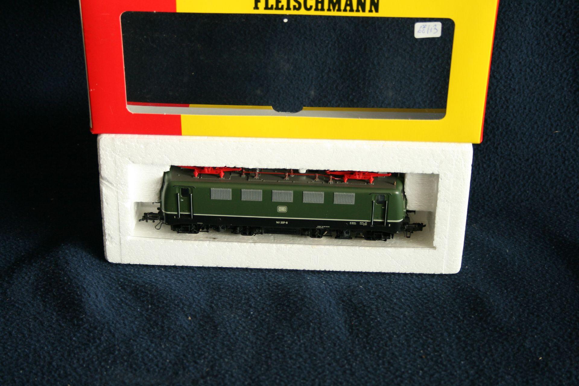 FLEISCHMANN HO - 4326 - 141 237-8, boîte d'origine - - FLEISCHMANN HO - 4326 - [...]