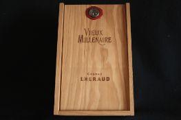 """Cognac LHERAUD """"Vieux Millénaire"""" - 25 ans d'âge, Petite champagne, 43% vol. - [...]"""