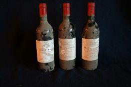 3 bouteilles de BORDEAUX, MOULIS HAUT-MEDOC, Château GRAVEYRON, rouge, 1982 - 3 [...]