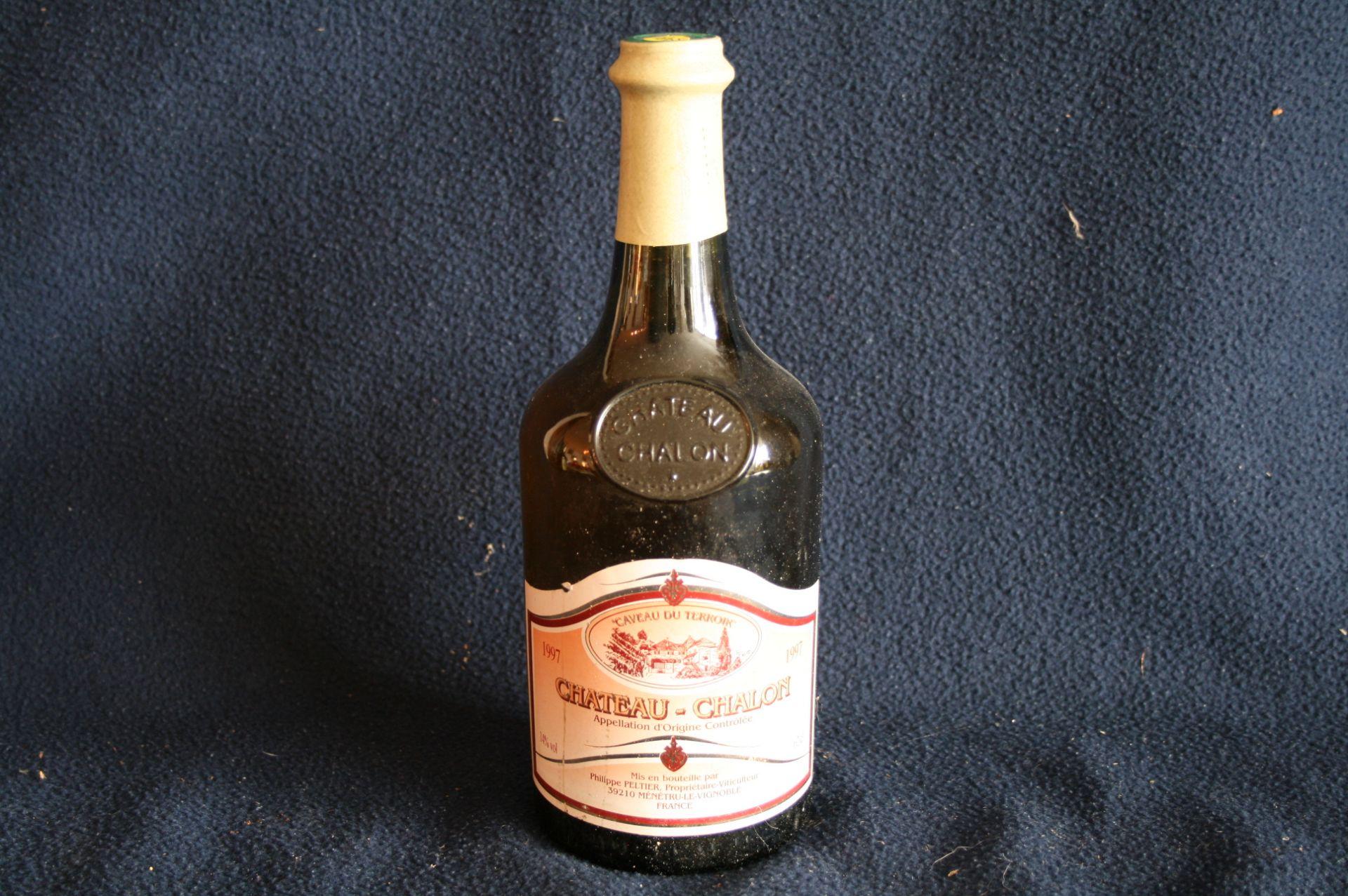 """Los 31 - 1 bouteille de CHATEAU-CHALON """"Caveau du terroir"""", 1997 - 1 bottle of CHATEAU-CHALON [...]"""