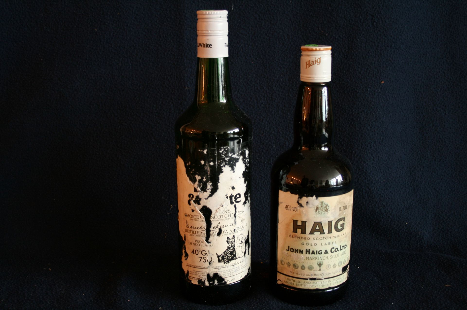 1 bouteille WHISKY HAIG, Blended scotch + 1 bouteille Black & White - 1 bottle [...]