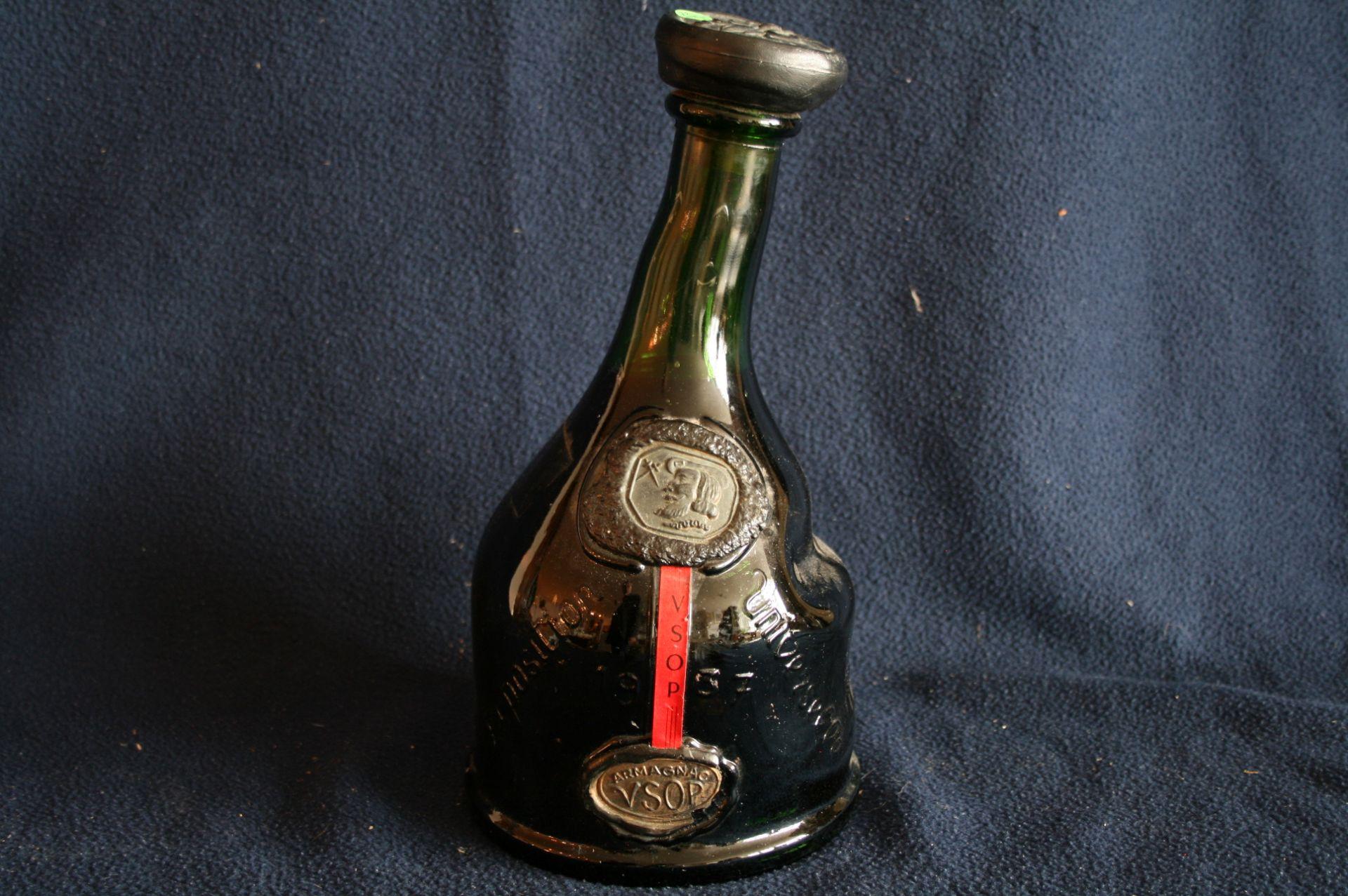 """Los 18 - 1 bouteille MAGNUM (1,5 litres) d'ARMAGNAC """"Exposition Universelle 1937"""" - 1 bottle [...]"""