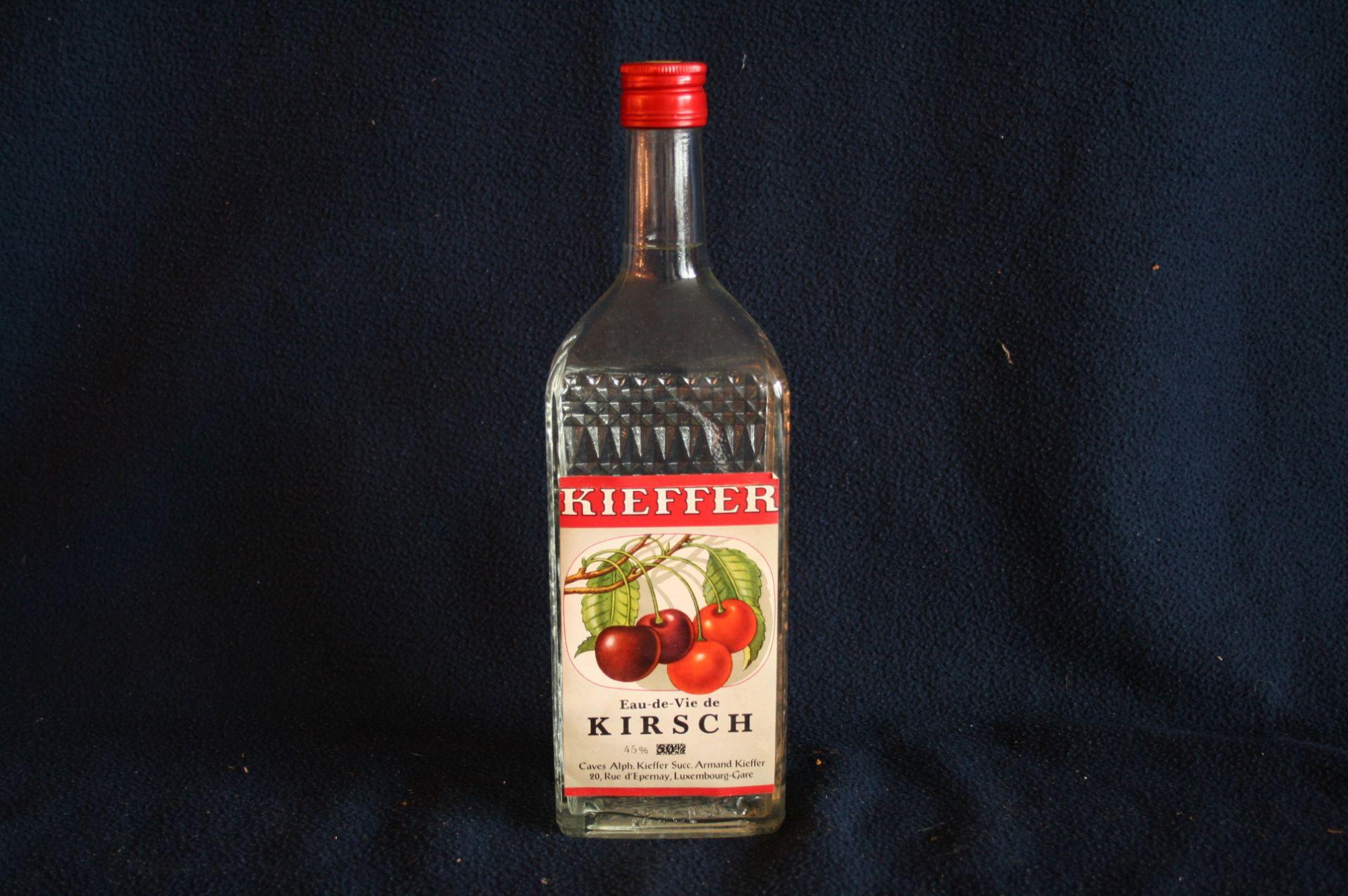 Los 23 - 1 bouteille d'Eau-De-Vie luxembourgeoise, KIRSCH, Caves Alph. Kieffer à [...]