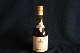 1 bouteille de COGNAC, vieille année (années 70), Jules BOUCHET & Cie, Importé au [...]