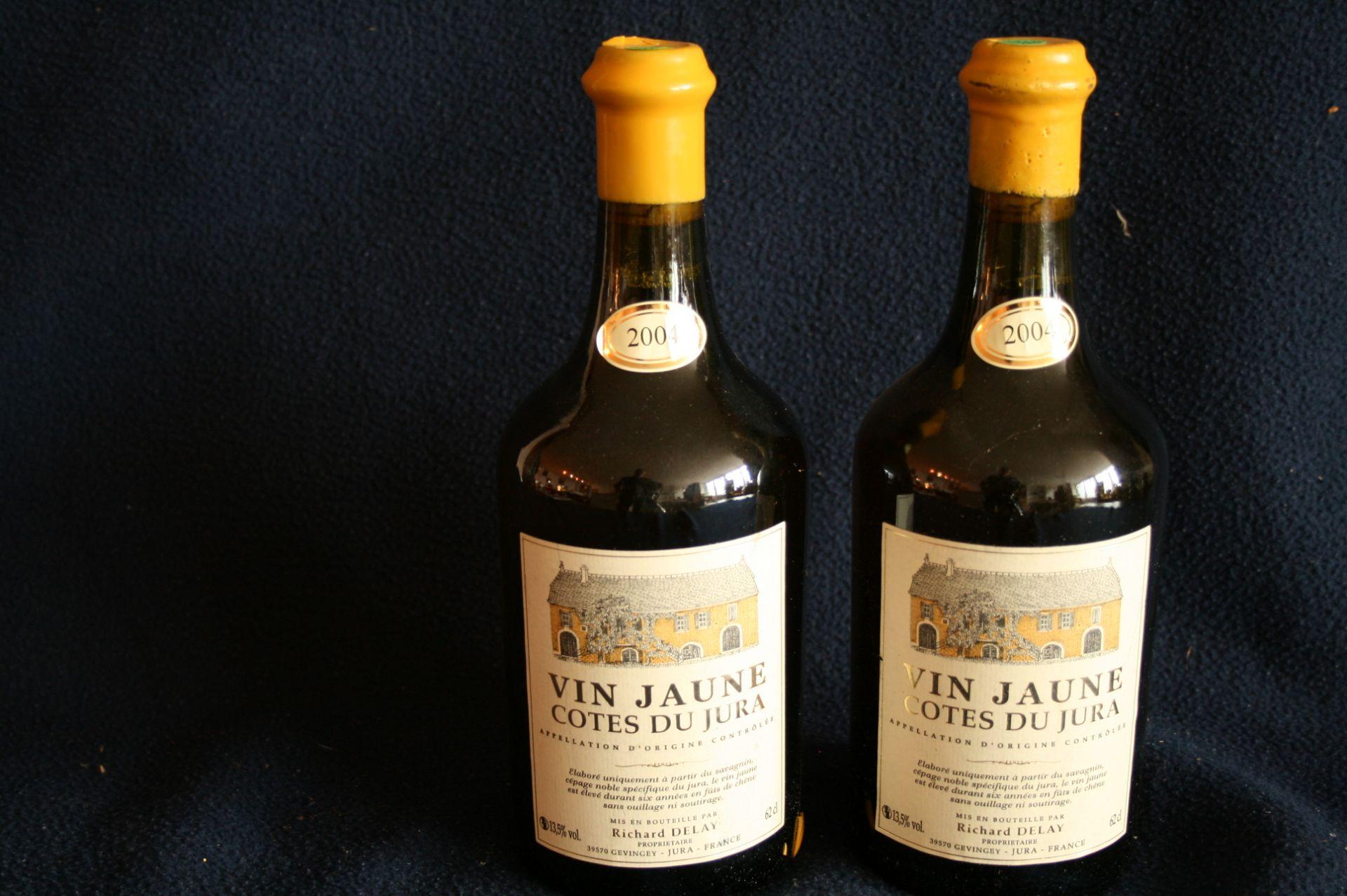 Los 29 - 2 bouteilles de Vin Jaune, Côtes du Jura, Domaine Richard DELAY, 2004 - 2 bottles of [...]
