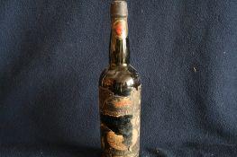 1 bouteille de MUSCAT de RIVESALTES, étiquette déchirée, Argeles sur Mer - 1 [...]