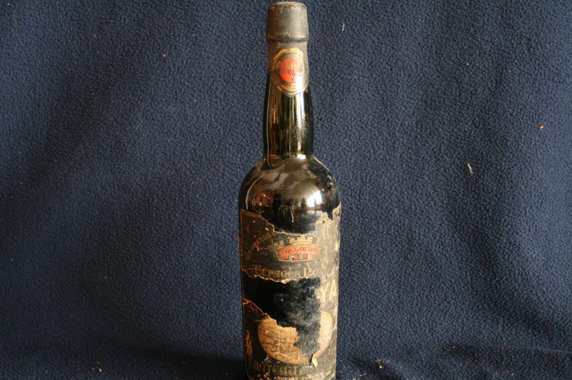 Los 1 - 1 bouteille de MUSCAT de RIVESALTES, étiquette déchirée, Argeles sur Mer - 1 [...]