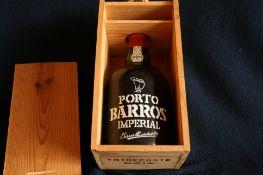 Bouteille de Porto BARROS IMPERIAL - 150 cl, Bouchon en cire, coffret en bois, [...]
