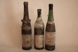 Ensemble de 3 bouteilles de Vin blanc de Bordeaux 1959 dont Château Les Remparts [...]