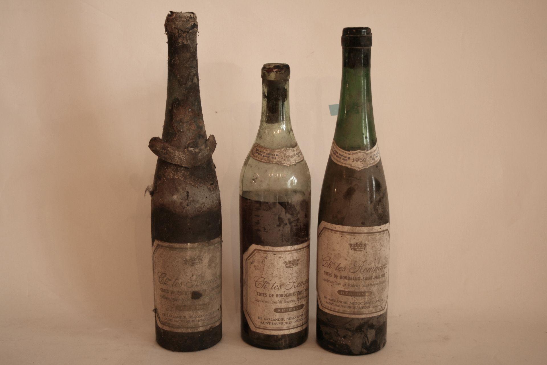 Los 40 - Ensemble de 3 bouteilles de Vin blanc de Bordeaux 1959 dont Château Les Remparts [...]