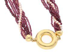 Kette: ausgefallene, mehrreihige Granat/Perlenkette mit großer 18K Goldschließe Ca. 46cm lang, ca.