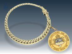 Armband: antikes Goldarmband mit seltenem Anhänger, Goldmedaille der 1. Weltmeisterschaft im