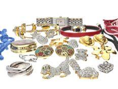 Konvolut vintage Modeschmuck, dabei seltener Markenschmuck Bestehend aus einem 925er Silberring, ca.
