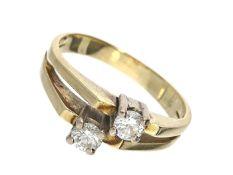 Ring: Brillant-Overcross-Ring, ca. 0,46ct Ca. Ø18mm, RG57, ca. 5,7g, 14K Gelbgold, besetzt mit 2