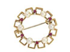 Brosche/Nadel: handgearbeitete vintage Brosche mit Perlen und Rubinen Ca. Ø25mm, ca. 8,4g, 18K Gold,