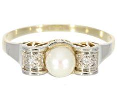Ring: zierlicher und dekorativer Art déco Damenring mit Perlen und Diamanten Ca. Ø19mm, RG60, ca.