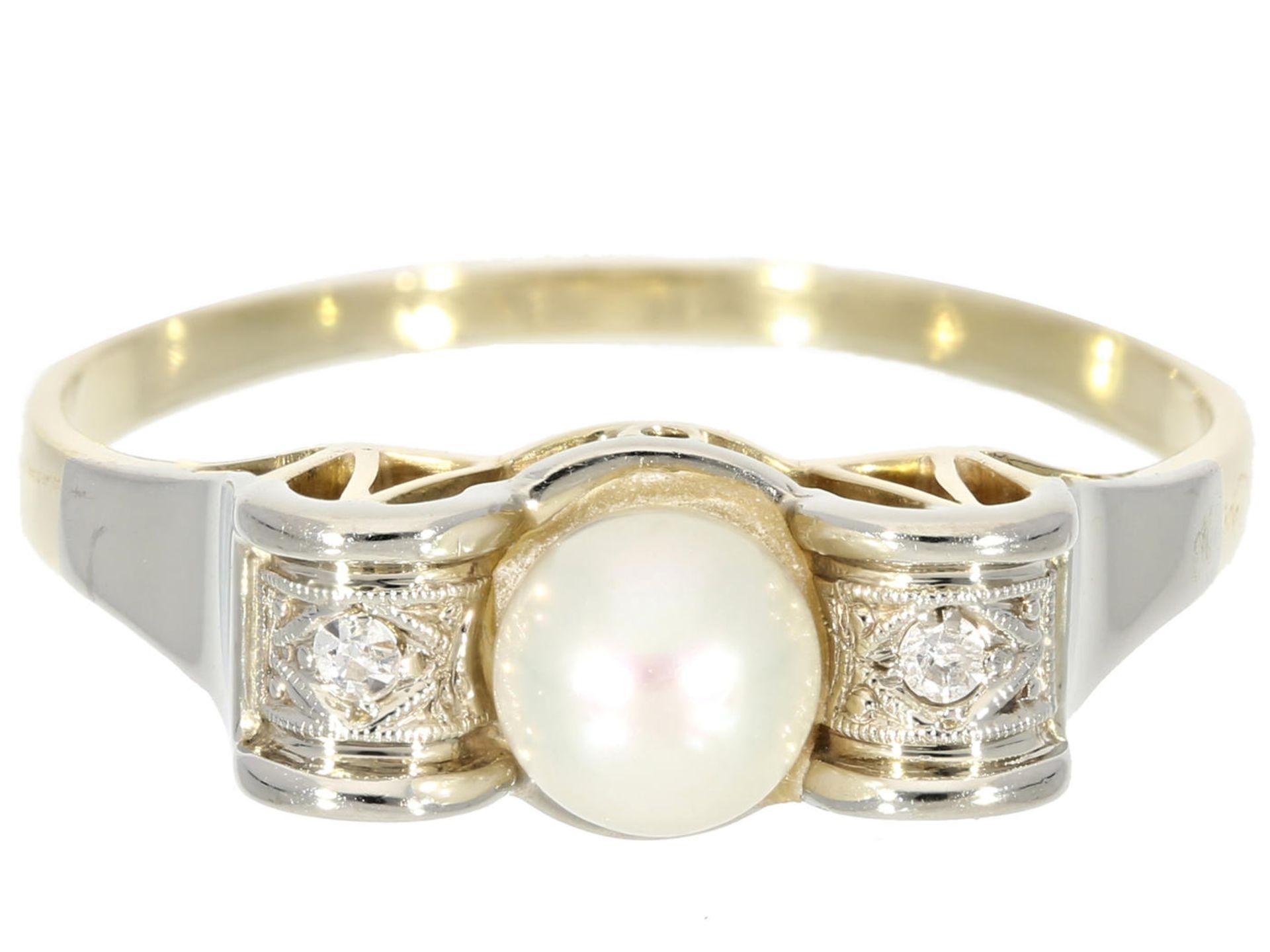Los 6015 - Ring: zierlicher und dekorativer Art déco Damenring mit Perlen und Diamanten Ca. Ø19mm, RG60, ca.