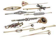 Brosche/Krawattennadel: sehr interessantes Konvolut aus 13 antiken Broschen/Krawattennadeln aus