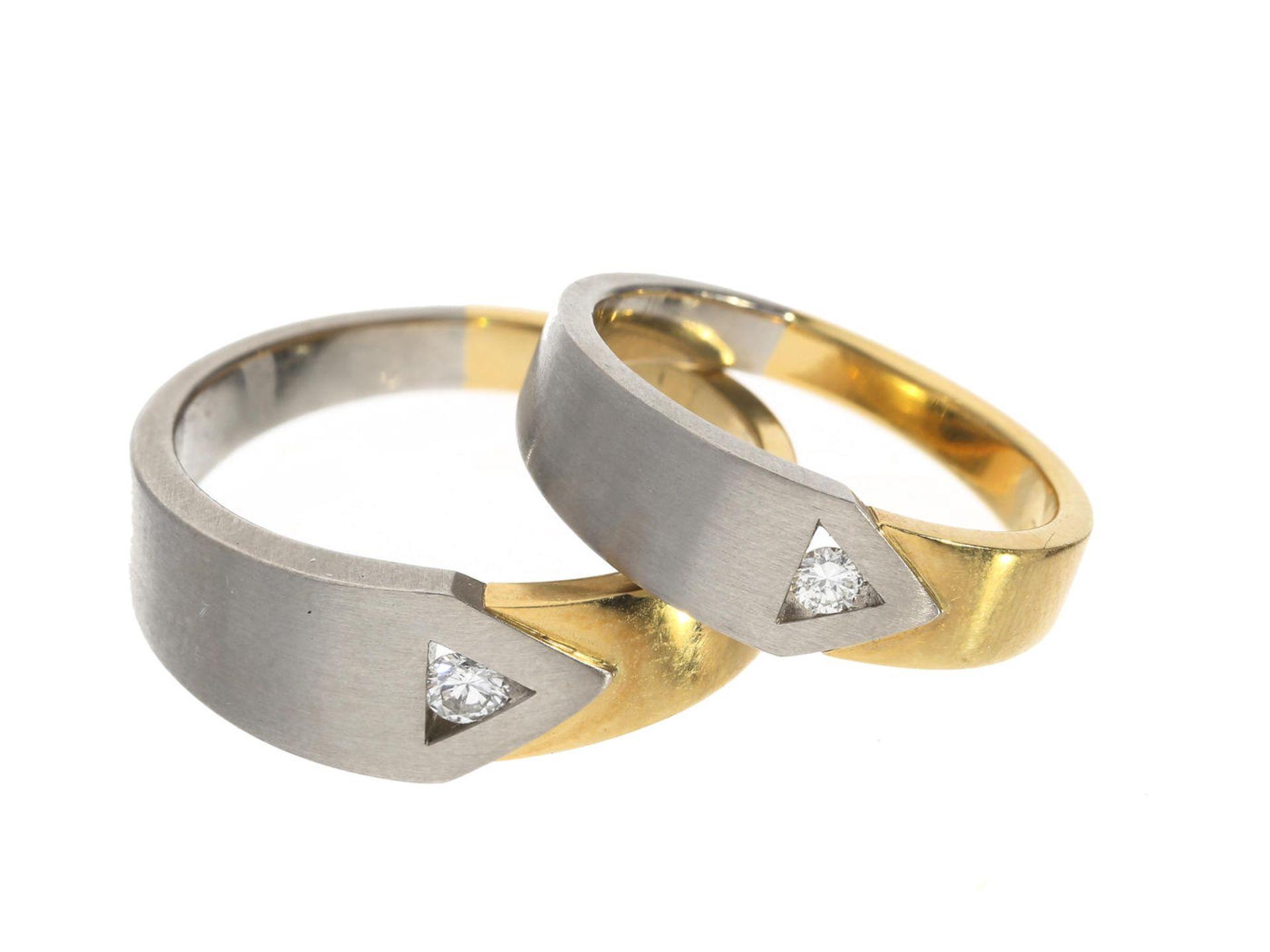 Los 6043 - Ring: sehr schöne und neuwertige Bicolor Trauringe mit Brillantbesatz, NP 1.550€ Ca. Ø20,5mm und ca.