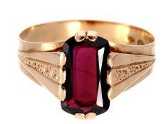 Ring: dekorativer antiker Granatring, um 1900 Ca. Ø20,5mm, RG65, ca. 4,2g, 14K Roségold,