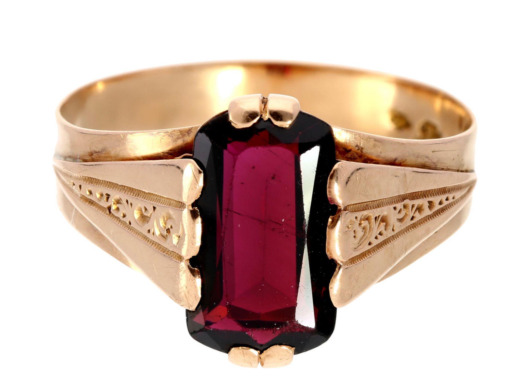 Los 6010 - Ring: dekorativer antiker Granatring, um 1900 Ca. Ø20,5mm, RG65, ca. 4,2g, 14K Roségold,