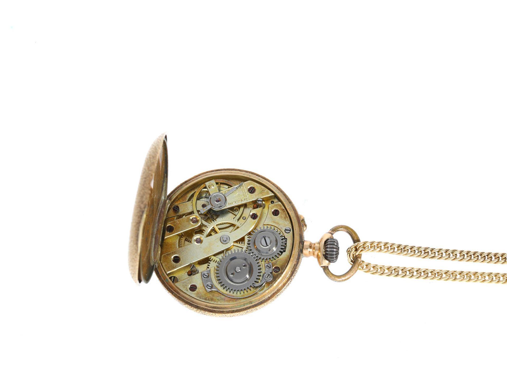 Los 6009 - Taschenuhr/Anhängeuhr: goldene Damenuhr an langer goldener Halskette, um 1900 Kette ca. 80cm lang,
