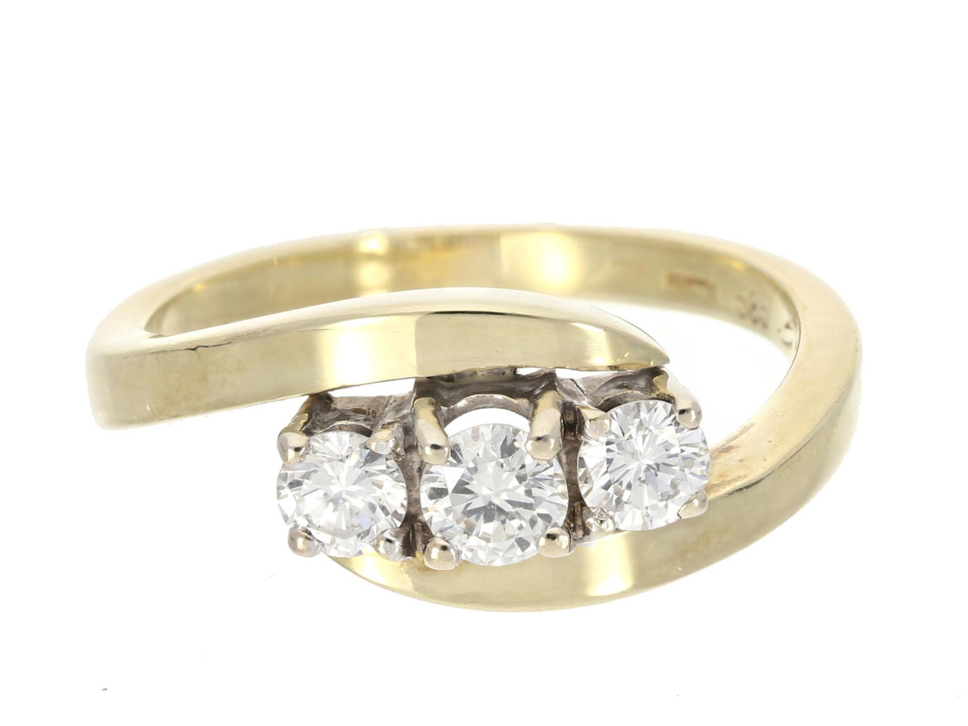 Ring: vintage Goldschmiedering mit 3 feinen Brillanten, ca. 0,4ct Ca. Ø16mm, RG50, ca. 3,6g, 14K