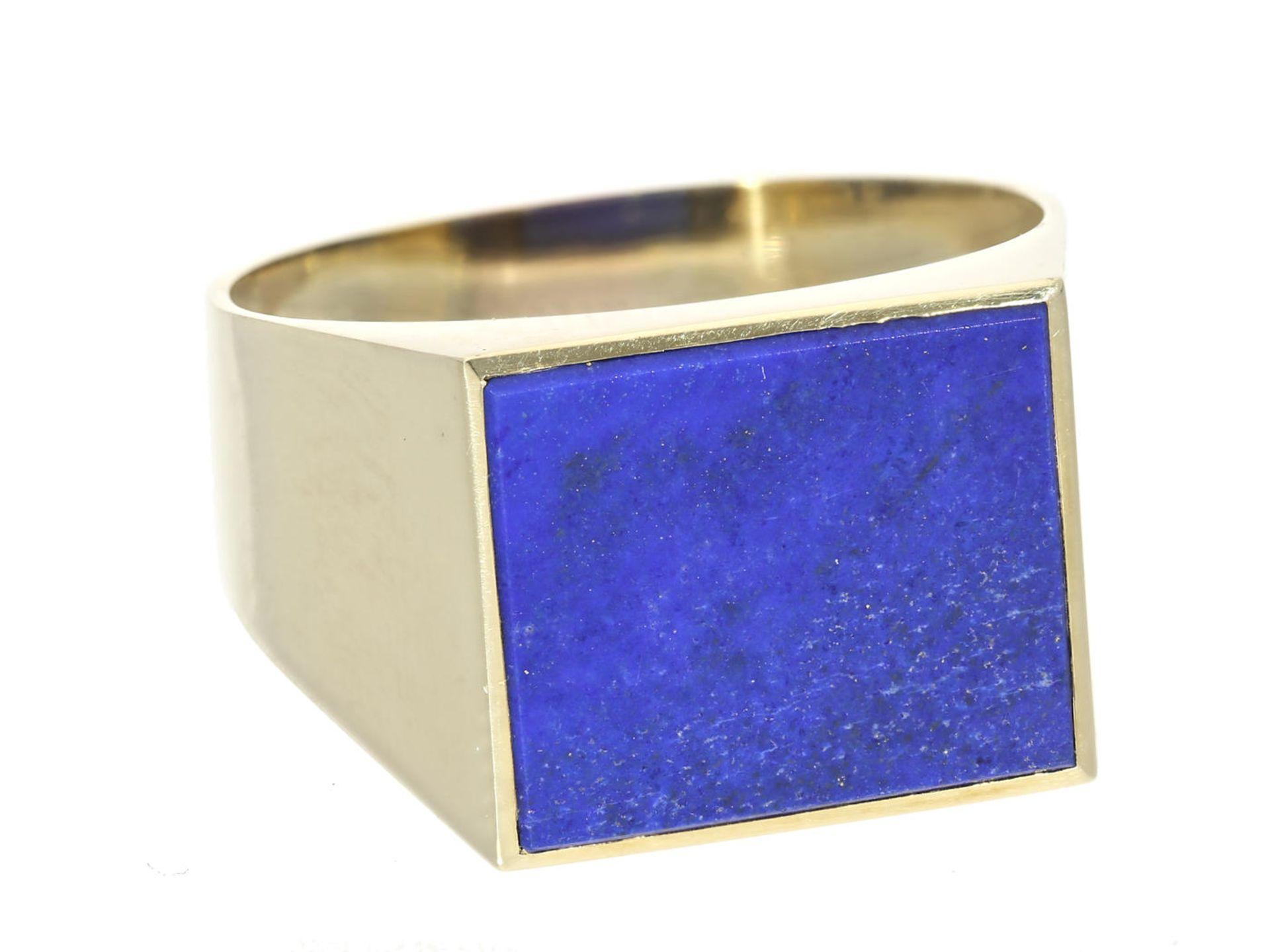 Ring: klassischer Herren-Siegelring mit Lapislazuli Ca. Ø21mm, RG67, ca. 8g, 14K Gold, ungravierte