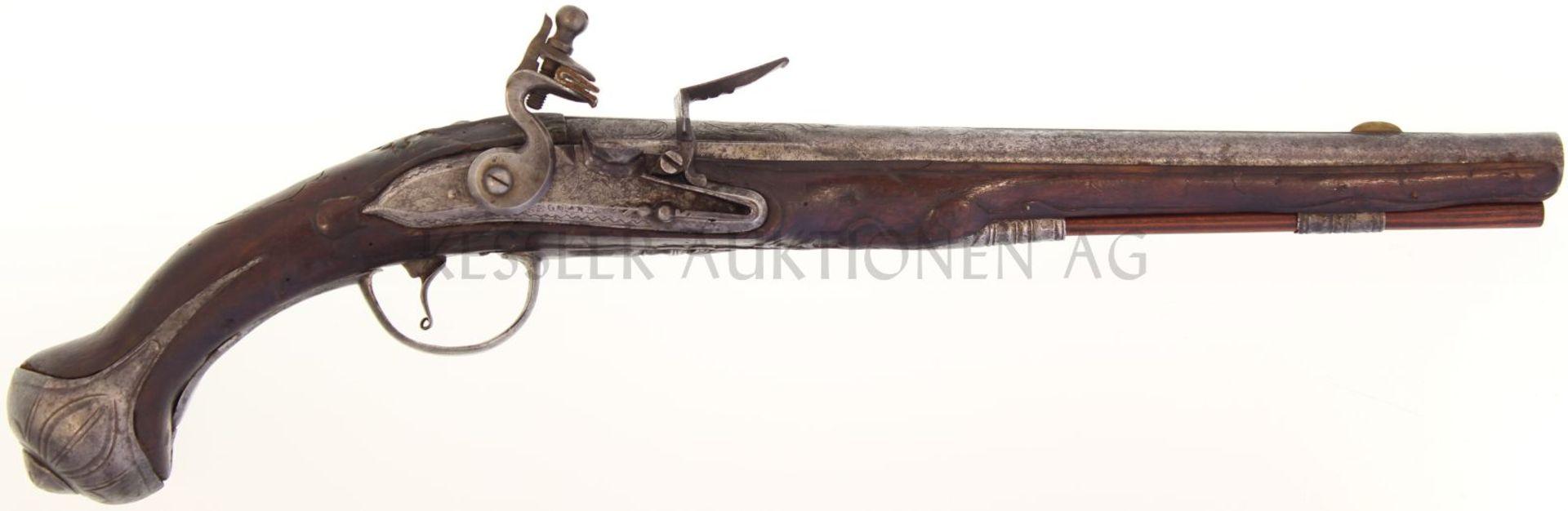 Steinschlosspistole, französisch um 1760, Kal. 15.5mm 33cm langer Rundlauf mit achtkantiger
