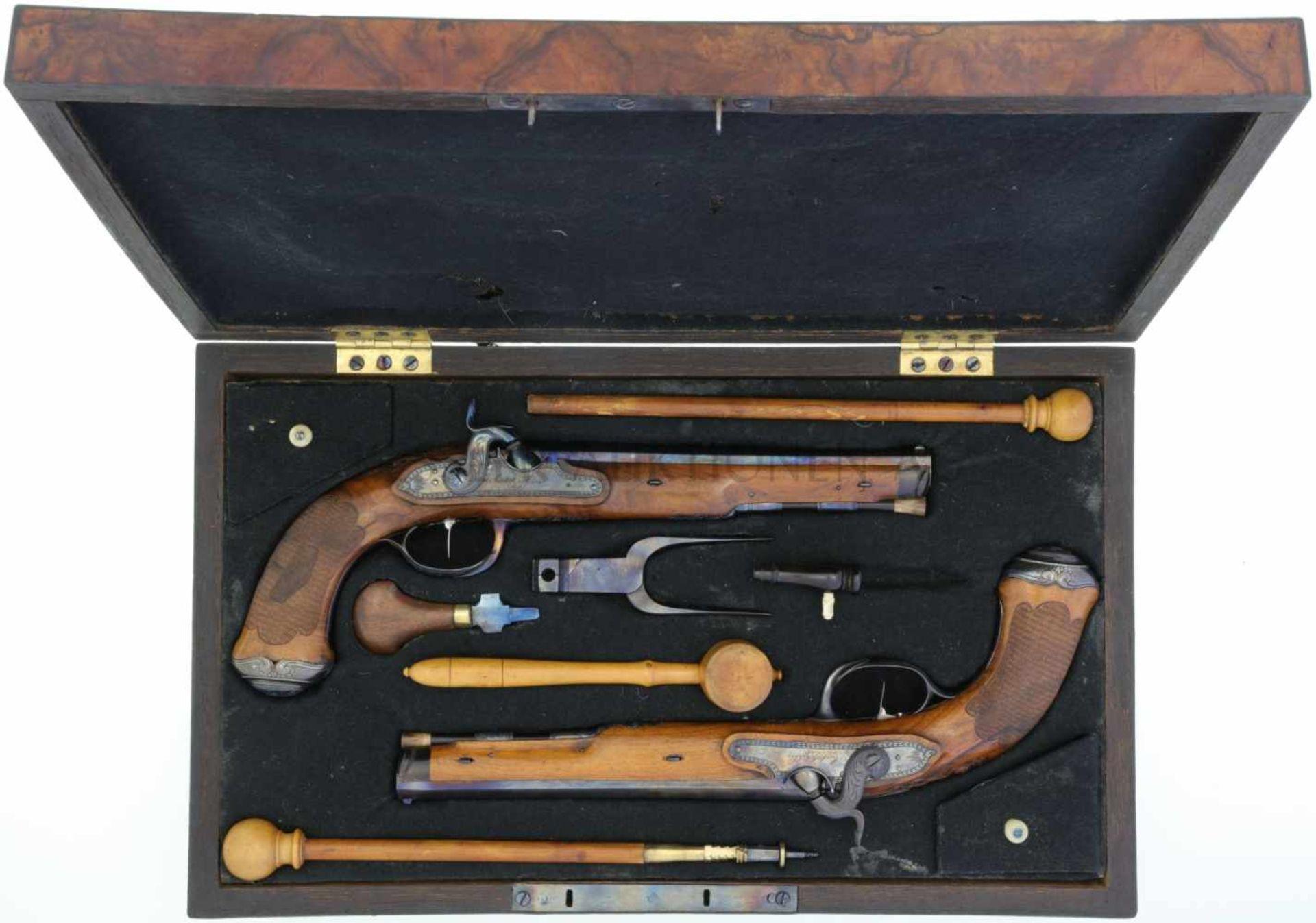 Perkussionspistolenpaar, Anschütz & Söhne, Suhl, Kal. 12,5mm LL 225mm, TL 380mm, gebläuter gezogener