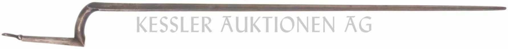 Stichbajonett zu Feldstutzer 1851 KL 500mm, TL 610mm, dreikantige blaue Klinge, Bajonettende mit
