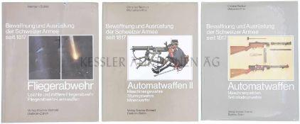Konvolut von 3 Büchern, Bewaffnung und Ausrüstung der Schweizer Armee seit 1817 1. Band 12,