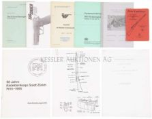 Konvolut von 9 Broschüren und Dokumentationen 1. Mein Karabiner, Verlag Hallwag Bern. 2. Eidg.