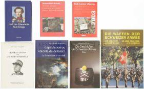 Konvolut von 7 Büchern 1. Die Schweizer Armee, 2003. 2. Die Schweizer Armee, 2009. 3. Carl von