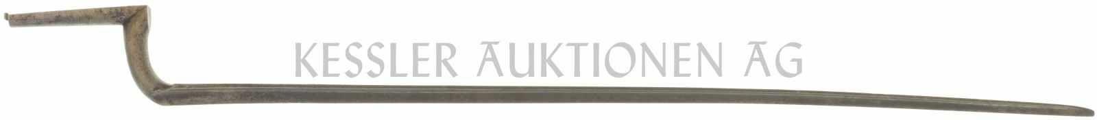 Dreikant-Stichbajonett zu Feldstutzer 1851 Blanke Klinge, halbrundförmige Aufnahme für Laufhülse.