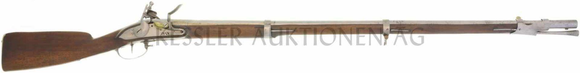 Steinschlossgewehr um 1760, Infanterie 1817, Kal. 17.6mm LL 1020mm, TL 1390mm, Rundlauf, hinterer
