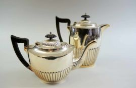 "Traditionelles Kaffee- und Teekannenset Silber plated, am Boden ""EPNS Made in Sheffield England"""