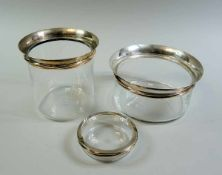 Cartier, 3 Glasschalen Glas und Sterling Silber, am Rand punziert und signiert. Silbermontierung mit